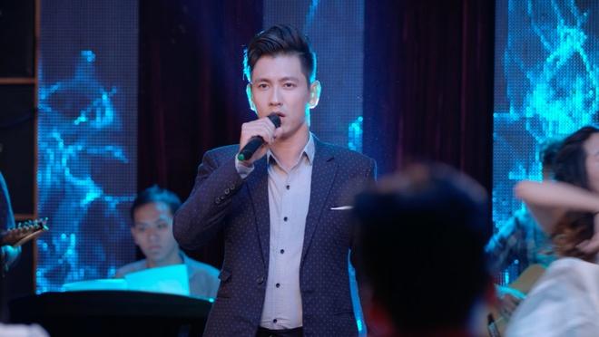 'Glee' tap 3: Do An bi Angela Phuong Trinh lap muu 'duoi' khoi CLB hinh anh 2