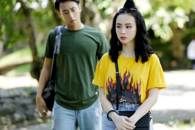 Thoi trang bien hoa cua Angela Phuong Trinh trong 'Glee' hinh anh 4