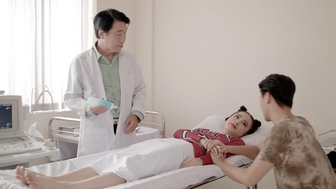 'Glee': Angela Phuong Trinh that tinh, hat hit 'Minh la gi cua nhau' hinh anh 1