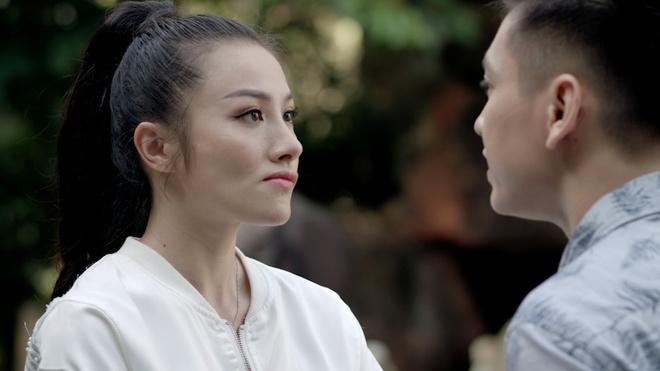 'Glee': Angela Phuong Trinh that tinh, hat hit 'Minh la gi cua nhau' hinh anh 4