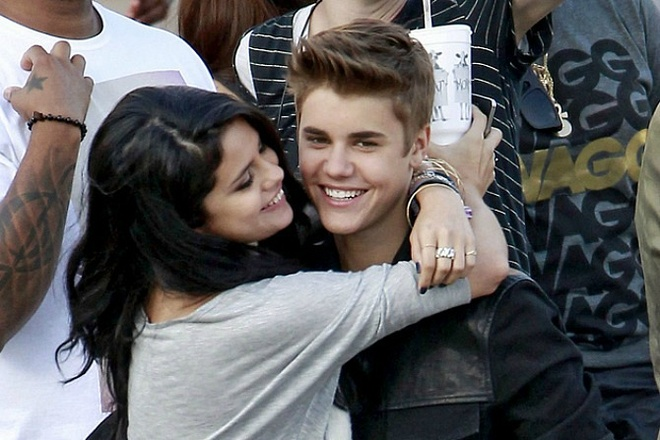 Nhung ca khuc Justin Bieber va Selena Gomez viet ve nhau hinh anh