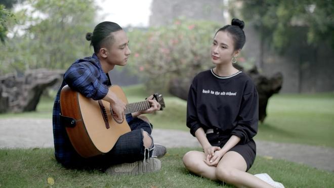 'Glee 11': Huu Vi tro tai danh dan guitar va hat 'Ba ke con nghe' hinh anh