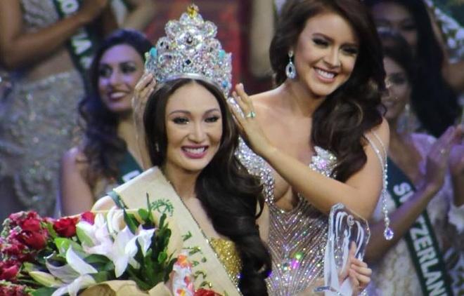 Nguoi dep Philippines dang quang Hoa hau Trai dat 2017 hinh anh