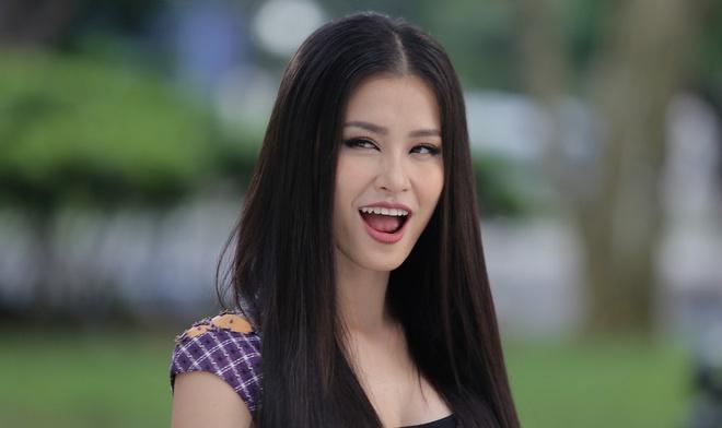 Ca si Dong Nhi dong vai chinh minh trong 'Glee' tap 16 hinh anh