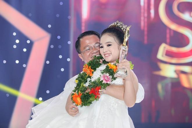 Con gai nuoi Khanh Nam lan dau chia se sau khi dang quang Sao Noi Ngoi hinh anh 1