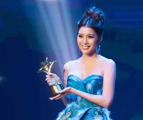 Huu Chau, Kaity Nguyen thang giai Ngoi sao xanh 2017 hinh anh 3