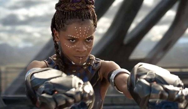 Em gai Bao Den trong 'Black Panther' thong minh vuot troi Iron Man hinh anh 1