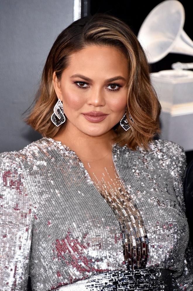 10 ngoi sao trang diem dep nhat o le trao giai Grammy 2018 hinh anh 3