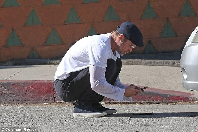 Brad Pitt hanh xu trach nhiem khi gay tai nan cho nguoi khac hinh anh 2