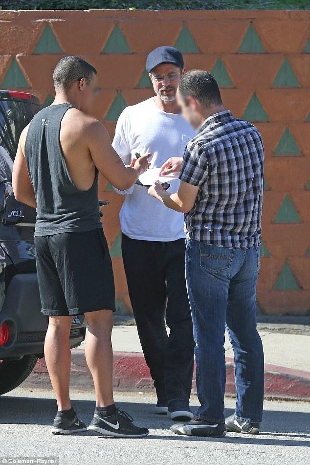 Brad Pitt hanh xu trach nhiem khi gay tai nan cho nguoi khac hinh anh 1