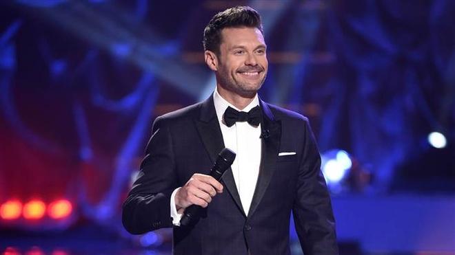 Nam MC 'American Idol' bi to quay roi tinh duc hinh anh