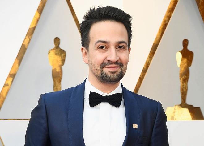 Sao Hollywood deo huy hieu cam, chong bao luc sung dan o tham do Oscar hinh anh
