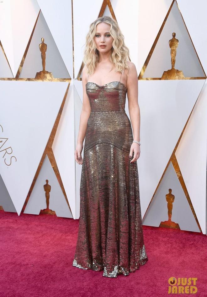 Jennifer Lawrence treo ghe o Oscar anh 1