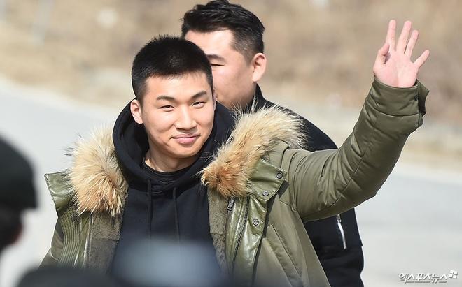 Theo chan G-Dragon, Daesung (Big Bang) len duong nhap ngu hinh anh 2