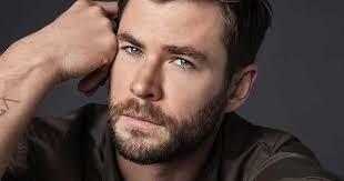 'Than Sam' Chris Hemsworth thuong thuc pho truyen thong Viet Nam hinh anh