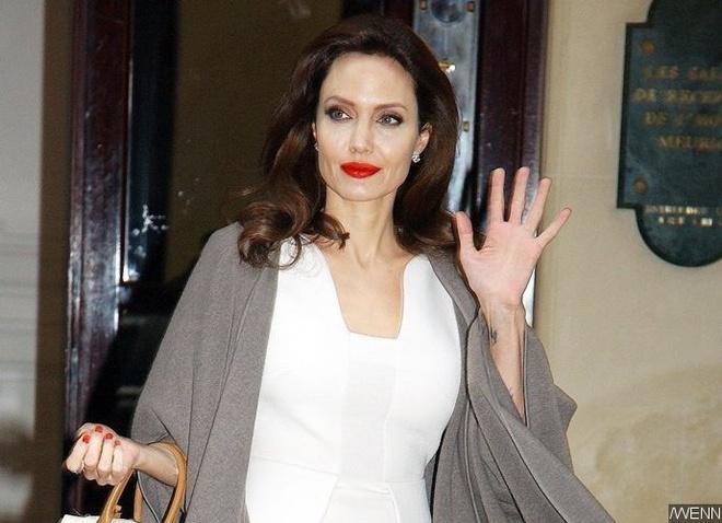 Angelina Jolie phu nhan hen ho voi doanh nhan bat dong san hinh anh 1