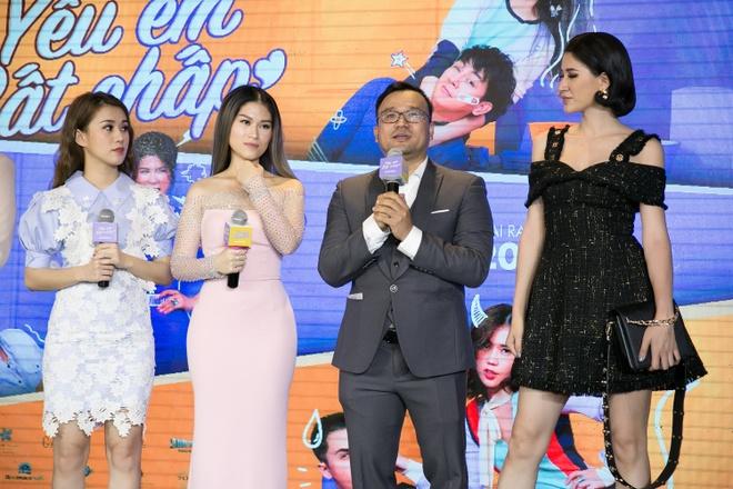 Hoai Lam toi tre 2 tieng trong buoi ra mat phim 'Yeu em bat chap' hinh anh 9