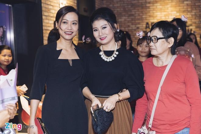 Hoai Lam toi tre 2 tieng trong buoi ra mat phim 'Yeu em bat chap' hinh anh 7