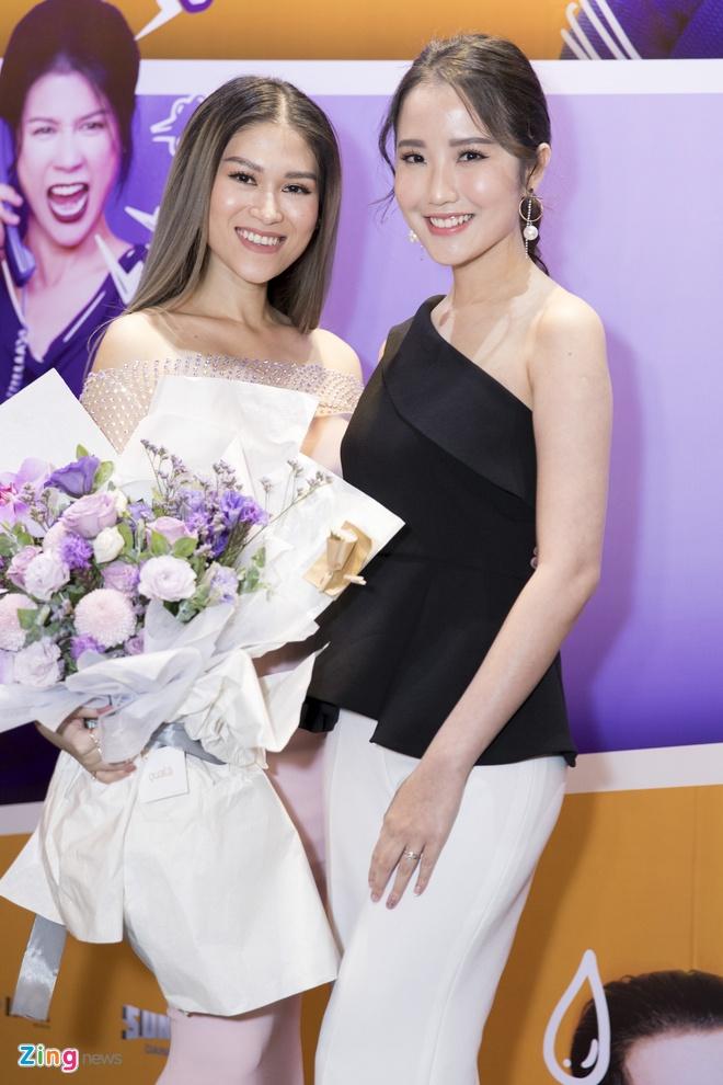 Hoai Lam toi tre 2 tieng trong buoi ra mat phim 'Yeu em bat chap' hinh anh 12