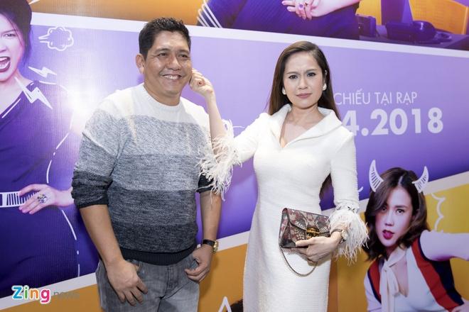Hoai Lam toi tre 2 tieng trong buoi ra mat phim 'Yeu em bat chap' hinh anh 6