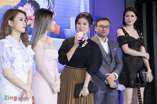 Hoai Lam toi tre 2 tieng trong buoi ra mat phim 'Yeu em bat chap' hinh anh 10