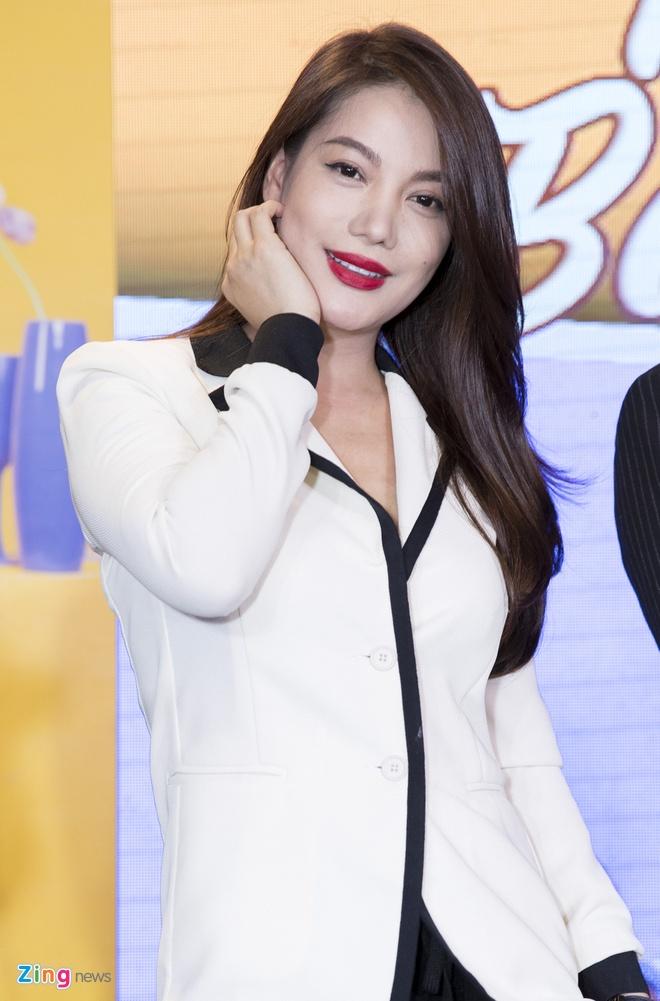 Hoai Lam toi tre 2 tieng trong buoi ra mat phim 'Yeu em bat chap' hinh anh 11