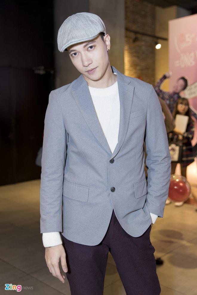 Hoai Lam toi tre 2 tieng trong buoi ra mat phim 'Yeu em bat chap' hinh anh 14