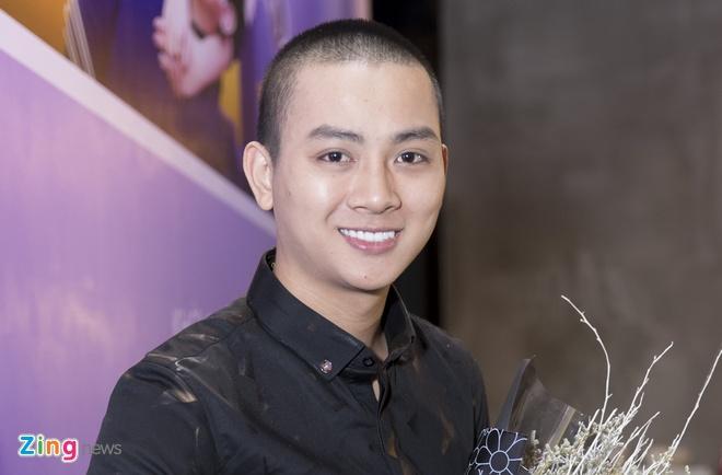 Hoai Lam toi tre 2 tieng trong buoi ra mat phim 'Yeu em bat chap' hinh anh