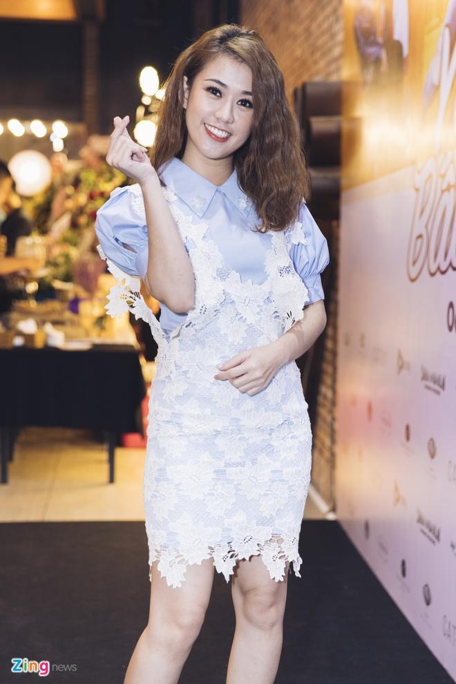 Hoai Lam toi tre 2 tieng trong buoi ra mat phim 'Yeu em bat chap' hinh anh 5