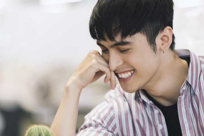 Hot boy lai Thai trong 'Yeu em bat chap': Tung phat to roi kiem tien hinh anh