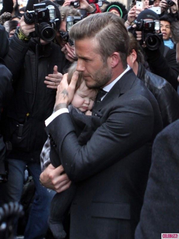 Gia dinh hanh phuc cua vo chong Beckham va 4 nguoi con sau 20 nam hinh anh 6