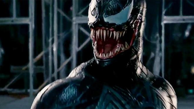 Trailer moi cua 'Venom' he lo tao hinh quai vat kinh di cua Tom Hardy hinh anh