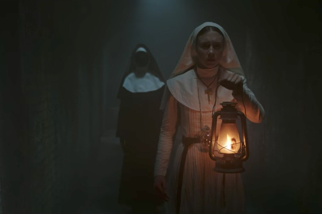 Ngoai truyen cua 'The Conjuring' gay am anh voi ma so Valak hinh anh 2