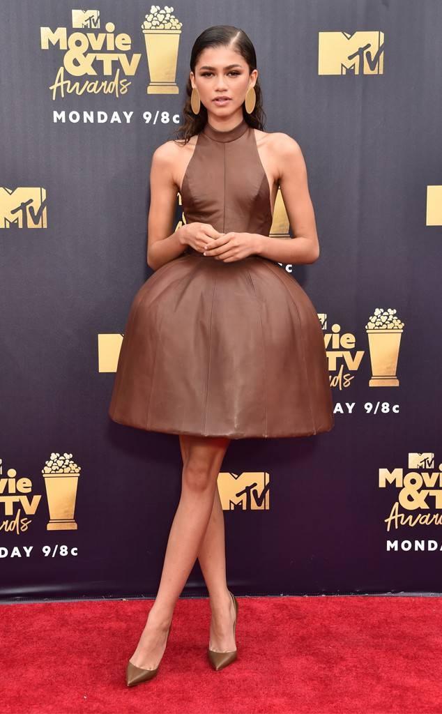 Dan sao dinh dam do bo tham do le trao giai MTV 2018 hinh anh 7