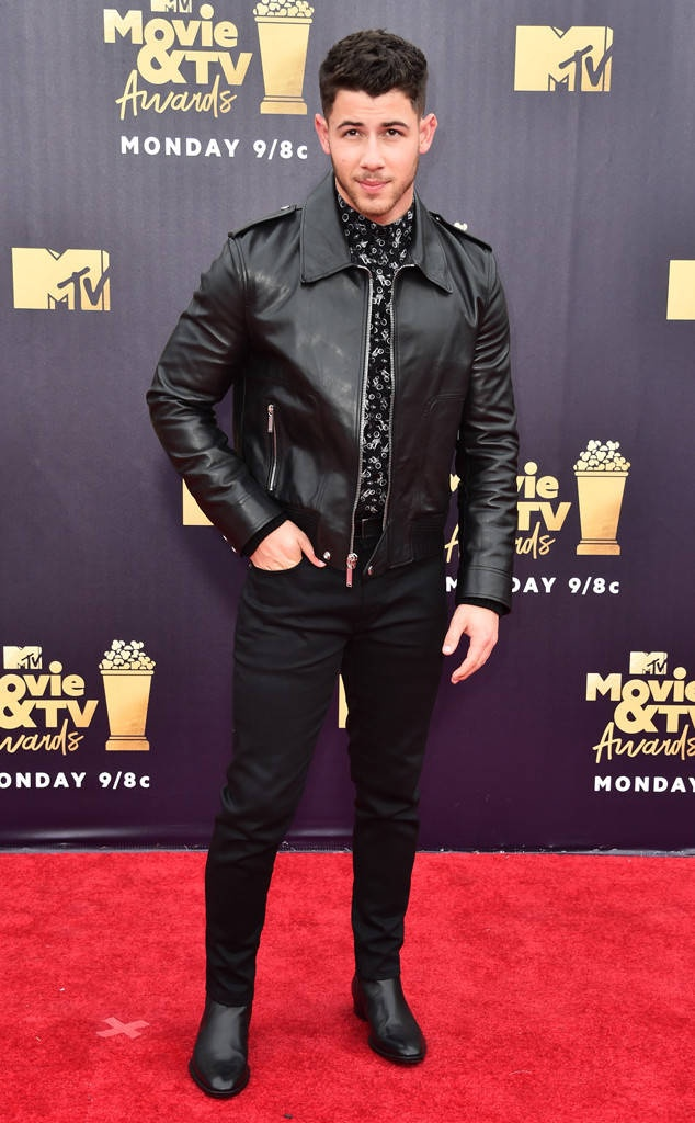 Dan sao dinh dam do bo tham do le trao giai MTV 2018 hinh anh 8
