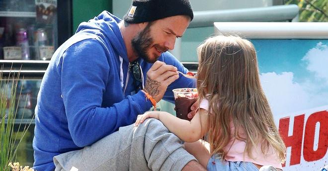 David Beckham trai long chuyen lam cha suot 20 nam qua hinh anh