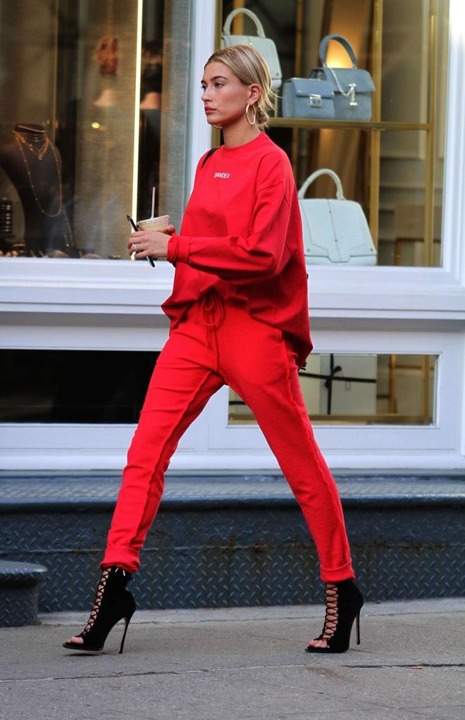 Street style 'chat lu' cua ban gai moi Justin Bieber hinh anh 7