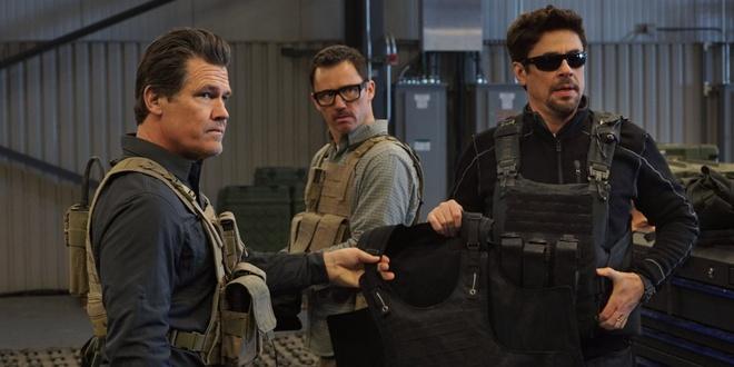 'Thanos' Josh Brolin tiep tuc xuat hien cuc ngau trong 'Sicario 2' hinh anh