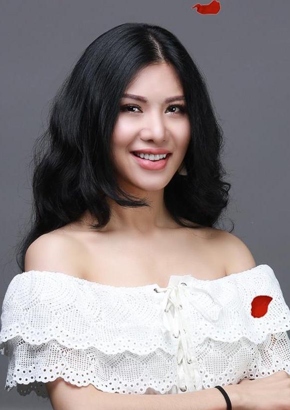 Chan dung 24 co gai di chinh phuc mot chang trai o The Bachelor Viet hinh anh 12