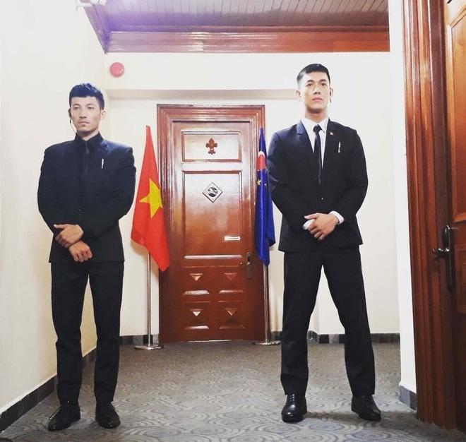 Hau truong 'Hau due mat troi': Kha Ngan khoe lung tran chay sam hinh anh 11