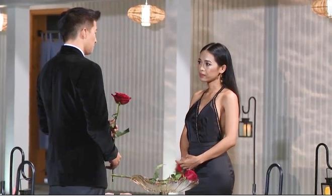 The Bachelor tap 8: Anh chang doc than se loai Kim Ngan, Minh Uyen hinh anh 2