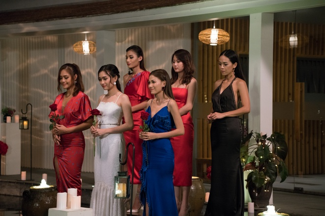 The Bachelor VN tap 8: 'Cuoc hen vo van' lam co gai tuc toi ra ve hinh anh 3