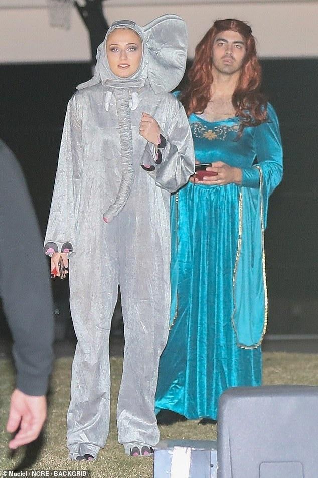 Dan sao Hollywood hoa trang hai huoc trong ngay Halloween hinh anh 1
