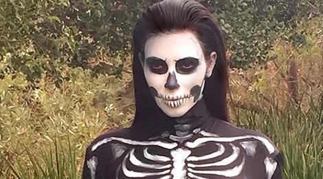 Chi em nha Kardashian va nhung bo canh Halloween di biet 10 nam qua hinh anh
