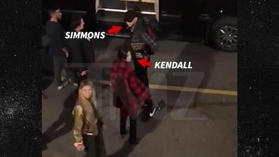 Kendall Jenner quay lai voi ban trai cu sau 3 thang chia tay hinh anh 1