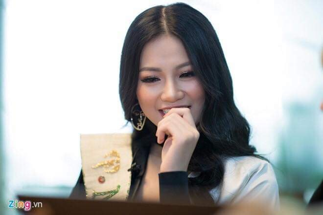 Hoa hau Phuong Khanh: 'Thich duoc khen la thong minh' hinh anh