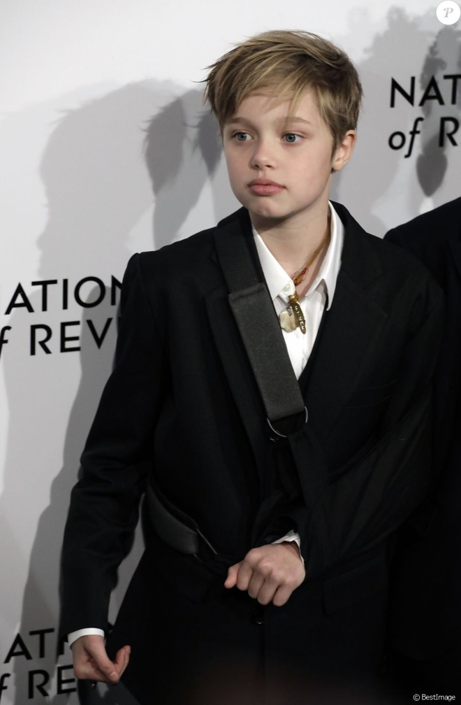 Con gai tom boy nha Angelina Jolie ngay cang ra dang con trai hinh anh 9