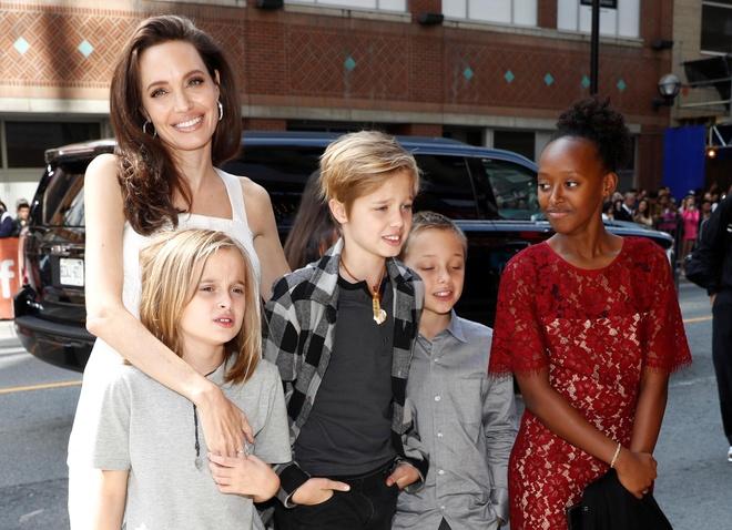 Con gai tom boy nha Angelina Jolie ngay cang ra dang con trai hinh anh 8