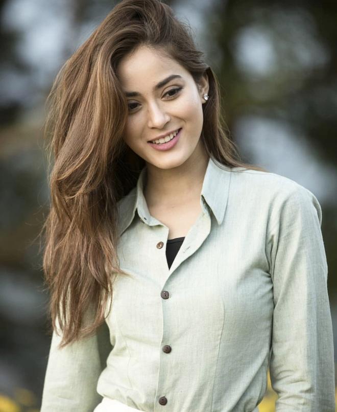 Hoa hau Nepal o Miss World: Nhan sac rang ngoi, xuat than danh gia hinh anh 5