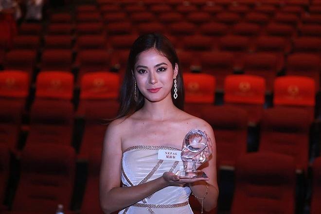 Hoa hau Nepal o Miss World: Nhan sac rang ngoi, xuat than danh gia hinh anh 1